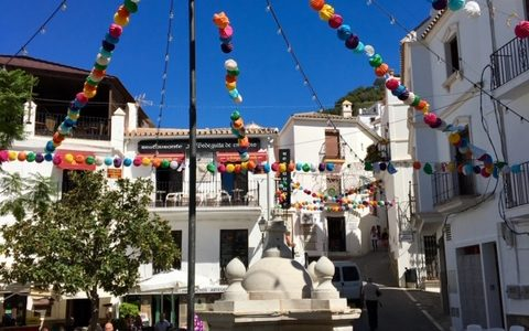 Casares – a great day out in a beautiful Andalucian white village
